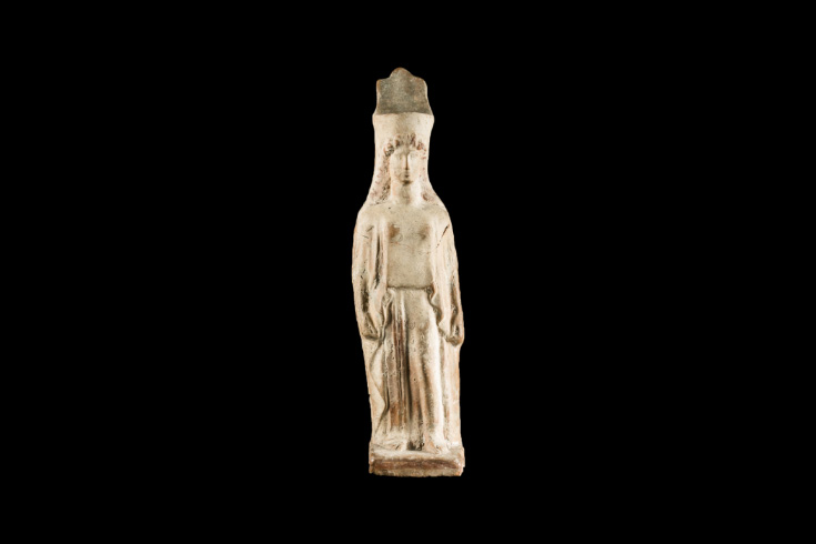Figureta femenina del tipus cora (Possible Isis)