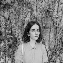 """Visita l'exposició """"Tura Sanglas i Rosa Tharrats: un diàleg artístic"""" amb les artistes"""